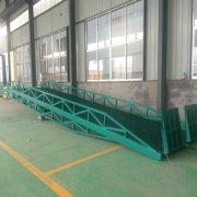 大吨位移动式登车桥
